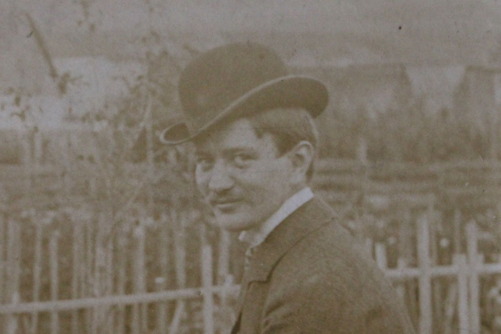 Paál Árpád 1925-ben Székelyudvarhelyen   Forrás: Paál Árpád Kézirathagyatéka, Haáz Rezső Múzeum, Székelyudvarhely
