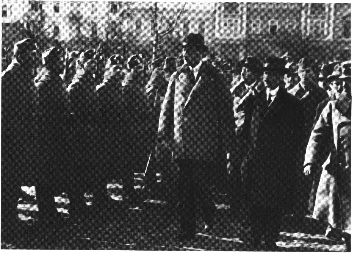 Károlyi Mihály találkozik a Székely Hadosztállyal 1919 márciusában   Forrás: Wikipédia