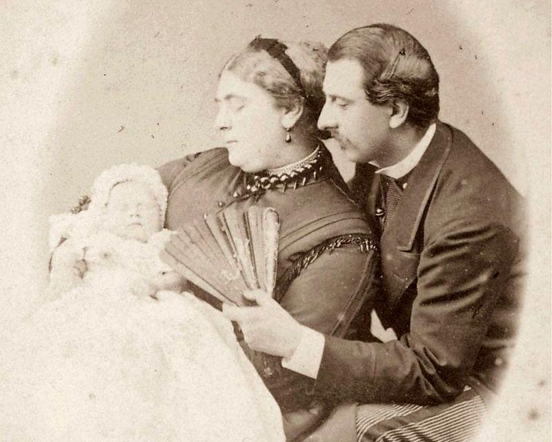 Marie Adelaide, Cambridge hercegnője, férje, Ferenc, Rhédey Claudia fia, és lányuk, Mary von Teck, a későbbi angol királyné