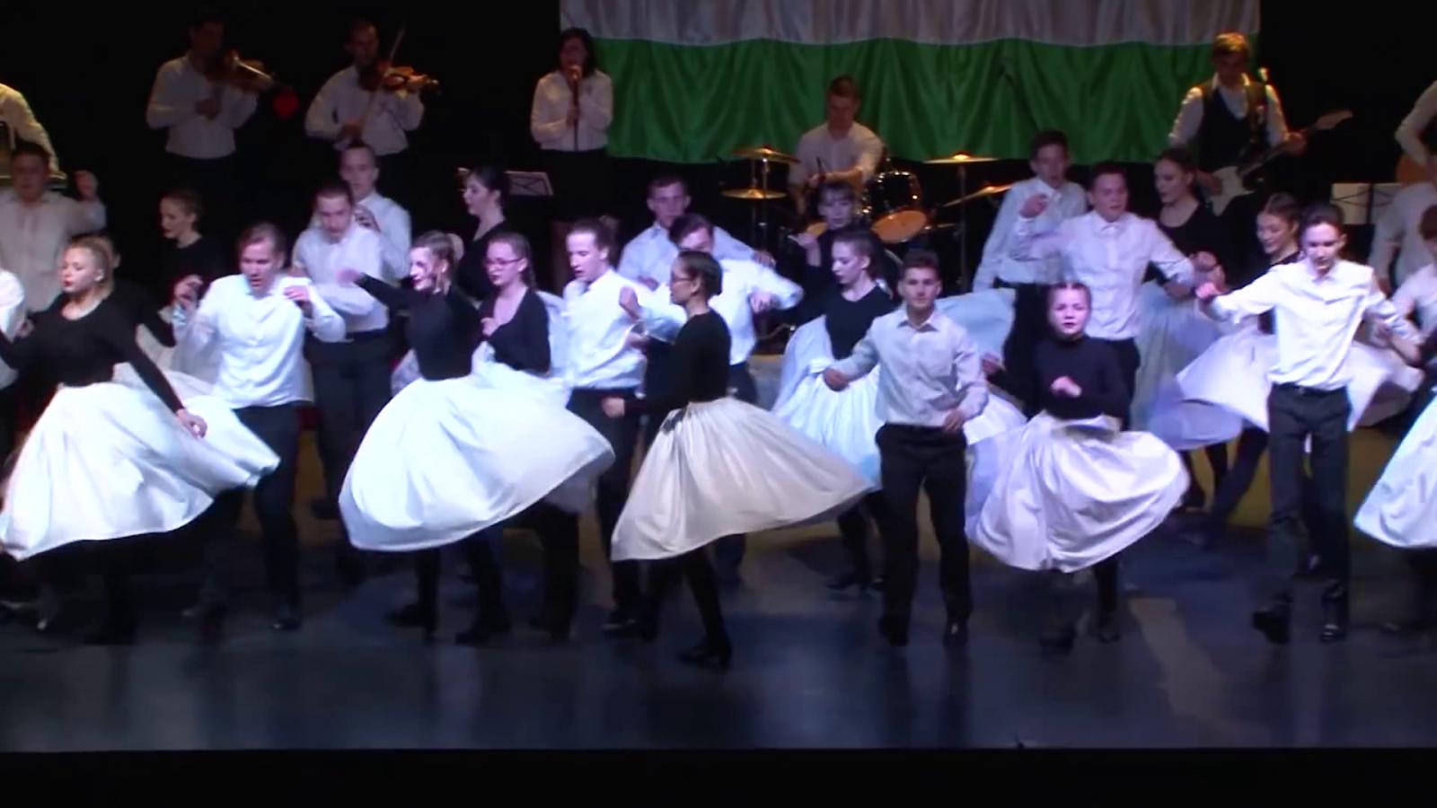 Zúg Március, az Ezüstperje nagysikerű táncelőadása