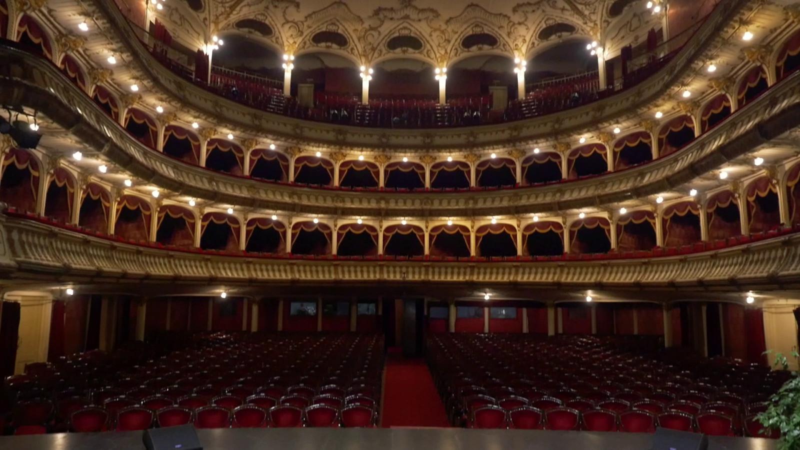 A Hunyadi-téri Nemzeti Színház nézőtere