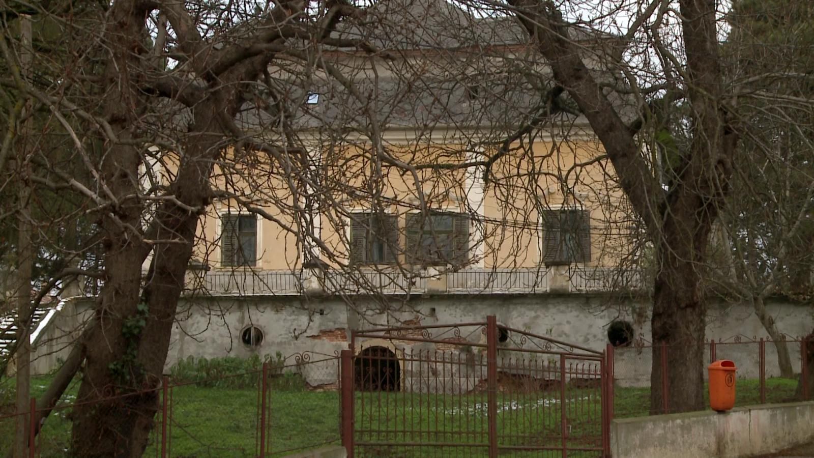 A Wesselényi-kastély kert felőli oldala